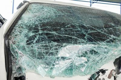 Öten meghaltak balesetben Abonynál