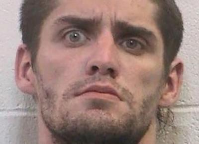 Megerőszakolt egy lovat, ezért börtönbe került, ahonnan megszökött, majd fél órával később félmeztelenül rohangált