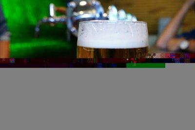 Így kell kicsapolni egy tökéletes korsó sört  - 5 lépésben!