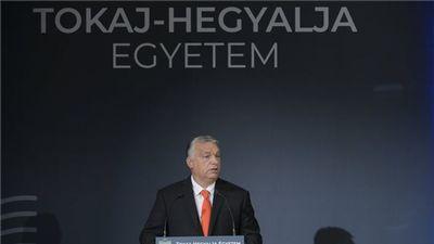 Felavatta a sárospataki egyetemet Orbán Viktor