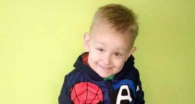 Megszakad a szív: bocsánatot kért édesanyjától halála miatt az 5 éves rákos kisfiú