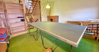 Ping-pong és retro hangulat: Szekszárdon sorház eladó!