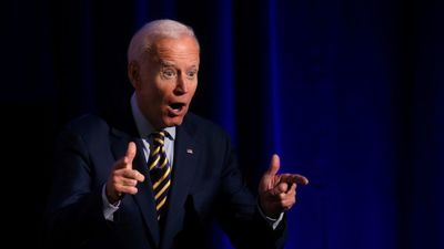 Újra komolyan megkérdőjelezték Joe Biden szellemi épségét