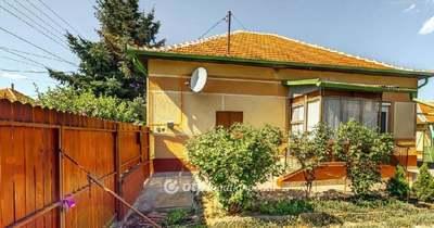 Gyerekkorunk varázsa: eladó egy törökszentmiklósi, igazi retro ház!