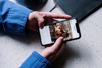 Halott cég támadt az Apple-Google duóra