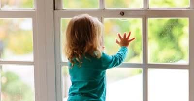 Megdöbbentő: kétéves kislányt molesztálhattak tizenkét évesek