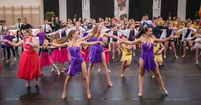 Nemzetközi táncverseny az egerszegi Mindszenty-csarnokban – Jövőre jubilál a rendezvény (videó)