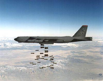 Amerikai stratégiai bombázó tűnt fel az orosz határ közelében.