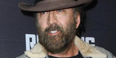Totál részegen videózták le egy bárban Nicolas Cage-et: videón a balhé