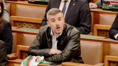 Kocsis Jakabnak: Szóljon már valaki szegény bohócnak, hogy két éve Pikó Andrásnak hívják a polgármestert