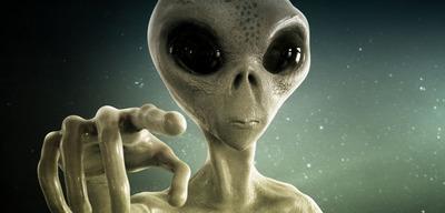 Elképesztő felvétel látott napvilágot: földönkívülit kaptak lencsevégre egy tömbház ablakában