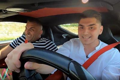 Ferrarit vett Győzike a lánya barátjának