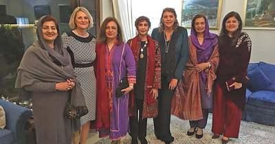Alávetett helyzettől a keleti kényelemig – női sorsok Afganisztánban