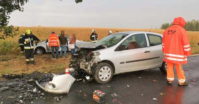 Megpördülő autó ütközött egy másiknak Csepreg és Horvátzsidány között – fotók