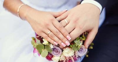 Robbantott a sztár fotója, ilyen esküvői ruhát még nem láttál – Fotók