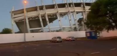 Összeomlott a nyíregyházi stadion főlelátója - videó