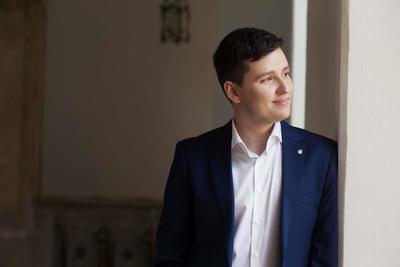 KultúrUnalom: Tóth-Vajna Zsombor, a művész kutatóorvos