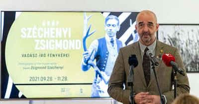Széchenyi Zsigmond fotóiból nyílt kiállítás a Capa Központban