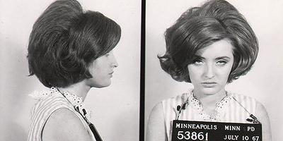 Íme, néhány meghökkentő rabosító fotó nőkről az 1940-60-as évekből - Galéria
