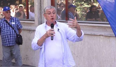 Gyurcsány egy kiszivárgott felvételen beszél az előválasztási leállásról a Darázsfészek álhíradójában