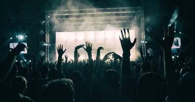 Sírnak a rajongók, feloszlott a magyar sztárzenekar, ma adták az utolsó koncertjüket