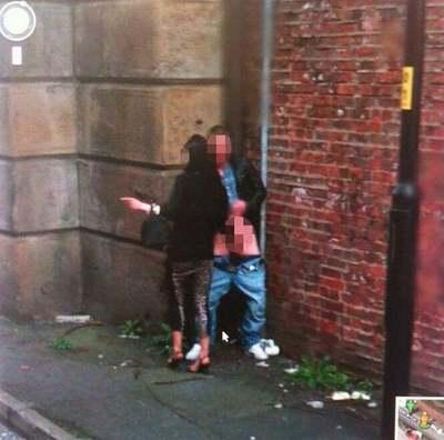 A Google buktatta le a fickót, aki a nyílt utcán élvezett el egy nő kezétől - Fotó
