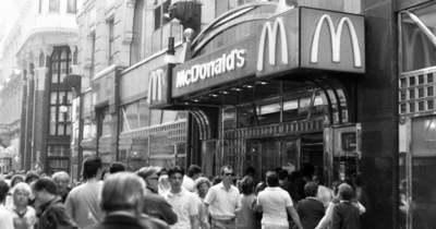 Lacikonyhától a burgerlángosig – Street Food magyar módra, az elmúlt 200 évben