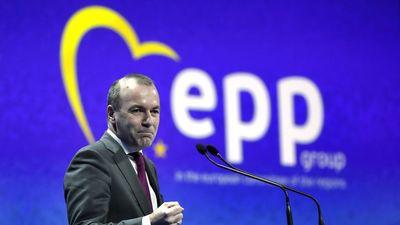 Megállíthatatlanul gurul lefelé a lejtőn az Európai Néppárt