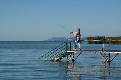 Így alakulnak jövőre a balatoni horgászjegyárak