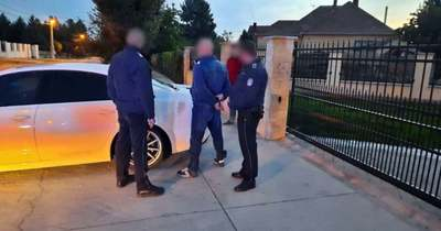 Letartóztattak két férfit, akik hamis védettségi igazolványokat gyárthattak a szomszédos megyében