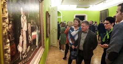 Zártkörű megnyitó után szombattól látogatható Győrben a Munkácsy kiállítás – Fotók