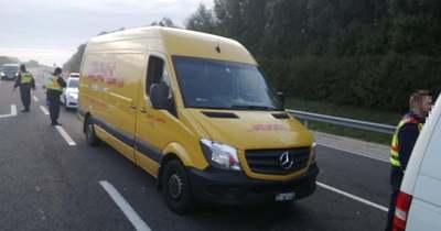 Harminckét szírt hozott a sárga furgon