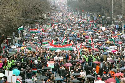 Újra békemenet: százezrek készülnek rá