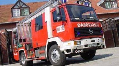 Tűzoltók és mentők lepték el a Fő teret Kőszegen, akkora a baj