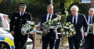 A brit kormányfő az előző nap megölt parlamenti képviselőre emlékezett