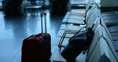 Őrület a reptéren: anyaszült meztelen nő okozott felfordulást
