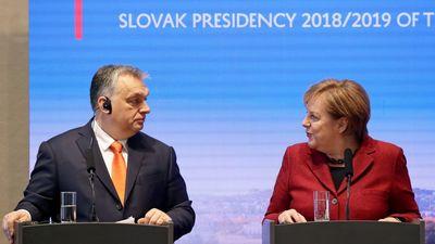 Angela Merkel Magyarországot védte az Európai Bizottsággal szemben