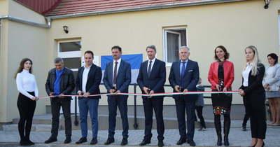 Mobilgarázst és közösségi épületet avattak Dobriban