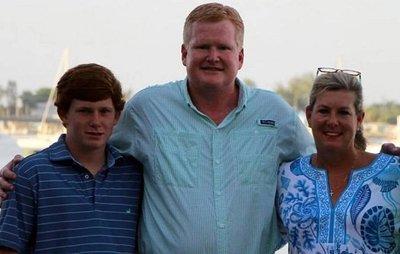 Felesége és fia kivégzésével vádolják a neves ügyvédet - 18+