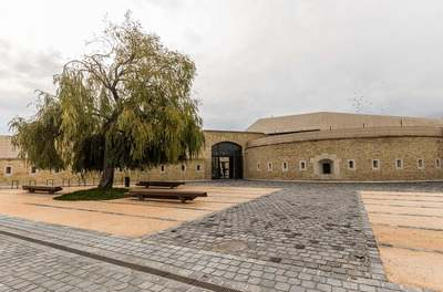 Monumentális gyűjteménnyel nyílt meg a felújított, kibővített komáromi Csillagerőd