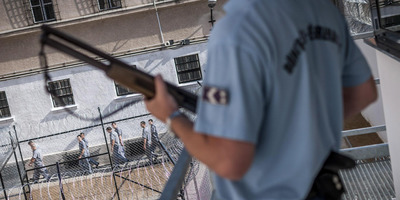 Börtönön belül, rácsokon túl -   Karrier a büntetés-végrehajtásban 1. rész