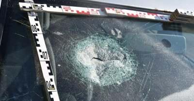 Kamera miatt törte be az autó szélvédőit egy adácsi lakos