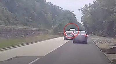 Hátborzongató dolgot rögzített egy magyar autós fedélzeti kamerája – videó