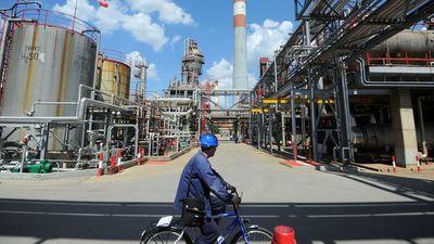 Vészesen ürülnek a szerb olajmezők