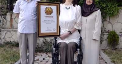 215 centiméteres a világ legmagasabb nője