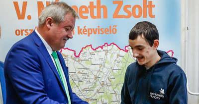 Miniszterelnöki elismerést kapott a körmendi kertépítő, Hutter Péter