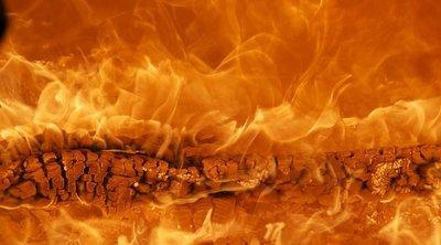 Menekítik az embereket, lángokban áll egy szálloda Nyíradonyban