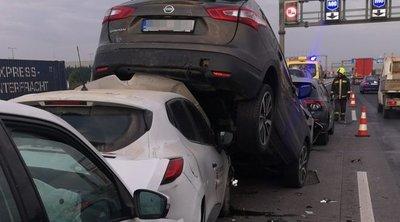 Szörnyű tömegbaleset történt az M0-áson: 10 autó ütközött – helyszíni fotók