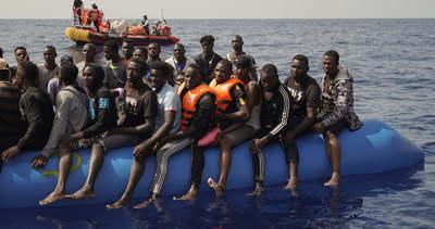 Börtönt kapott egy olasz hajóskapitány, mert visszavitte Afrikába az illegális migránsokat
