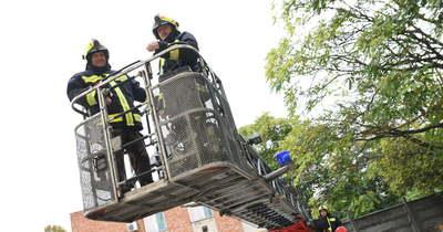 Tűz ütött ki egy győri nyolcadik emeleti lakásban – 15 embert menekítettek ki a tűzoltók